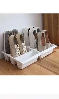 鞋子直立收納箱 1個$30