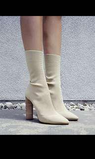 🚚 Yeezy Boots