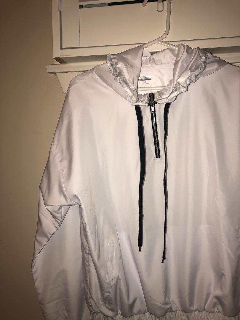 BRAND NEW Windbreaker Crewneck hooded Size S Forever 21