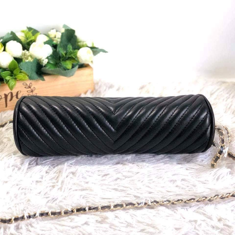 1114da7a9f1cf7 Chanel Lambskin Chevron Quilted Timeless Clutch and Shoulder Bag in GHW,  Women's Fashion, Bags & Wallets on Carousell