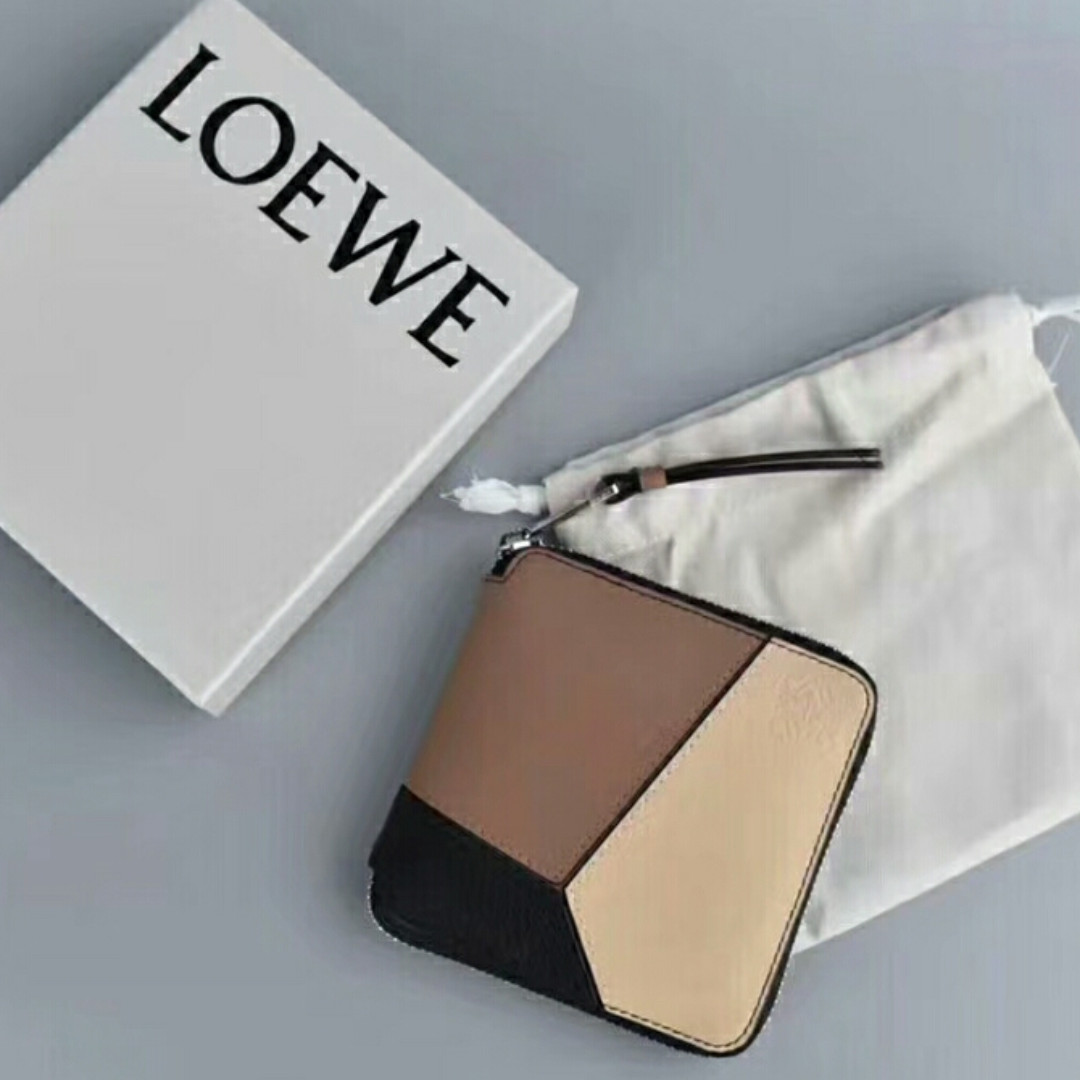 59bf22ad95ca80 Loewe Puzzle Brown Bifold Wallet, Men's Fashion, Bags & Wallets ...