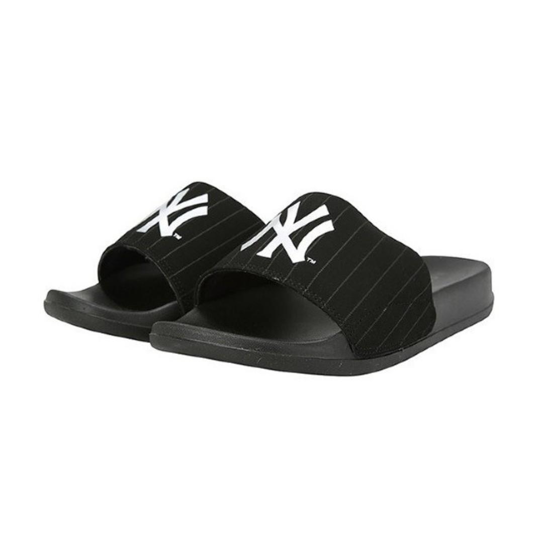 874651fd72ef MLB Unisex Slippers (Black White)