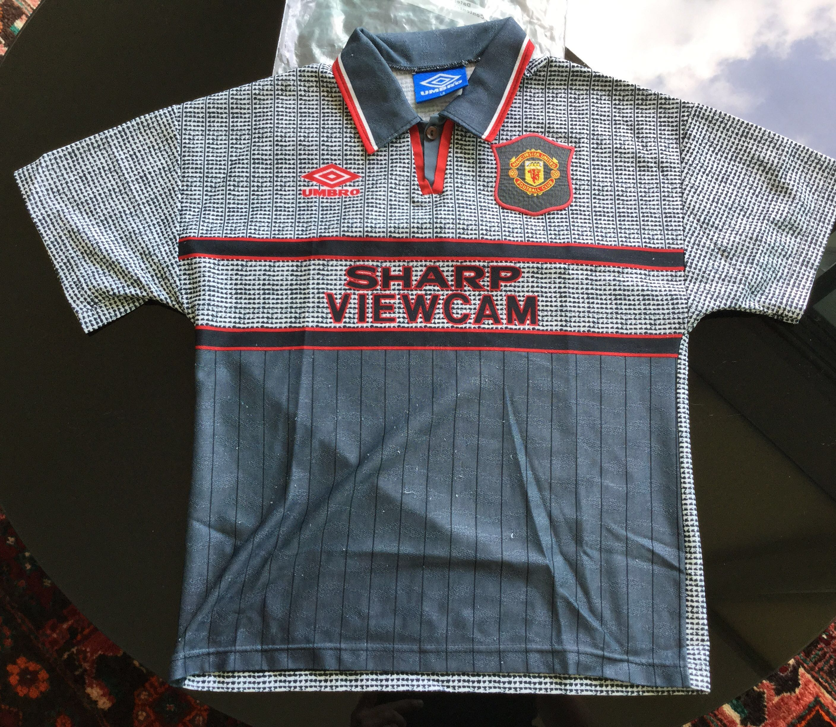 3e0fd9801 Retro Man Utd Shirt