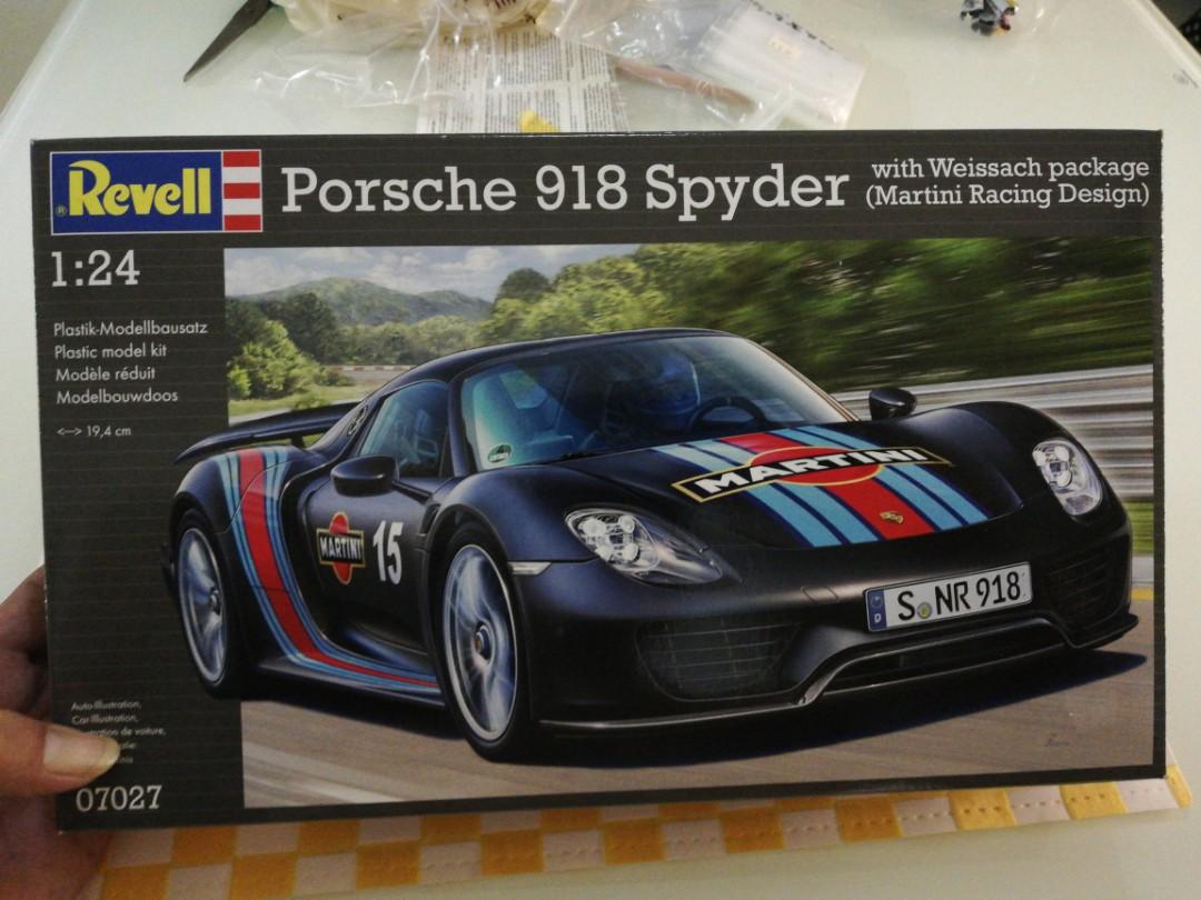 Revell Porsche 918 Spyder Weissach 1 24 Model Kit