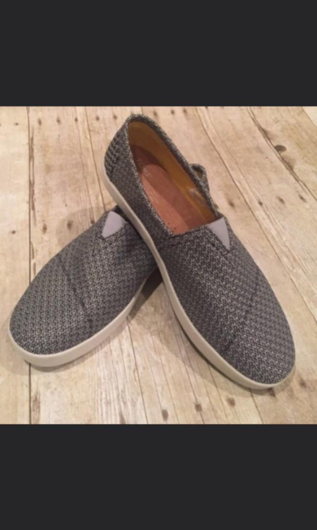1daf3e2226a TOMS Slip On Shoes