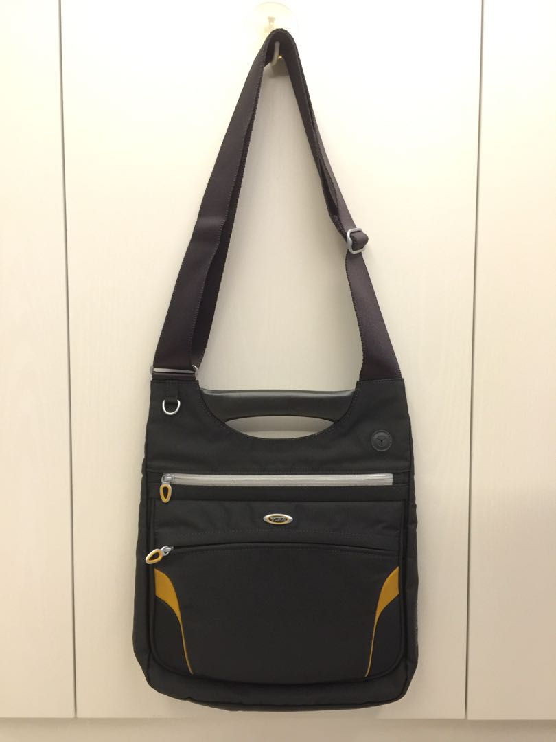Tumi Ducati T3 sling bag (limited edition) d1eee1878e
