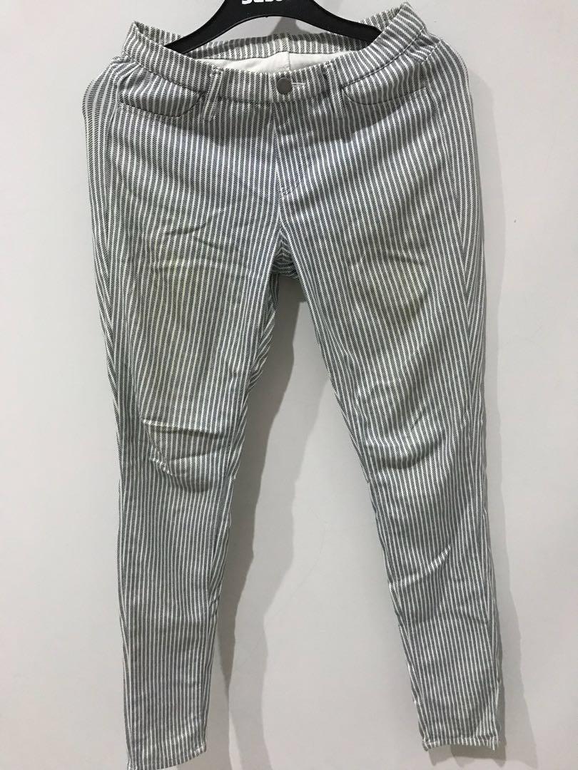 Uniqlo Celana Legging Stripes Hitam Putih Fesyen Wanita Pakaian Wanita Bawahan Di Carousell