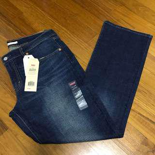 🚚 Levi's 415 Relaxed Bootcut
