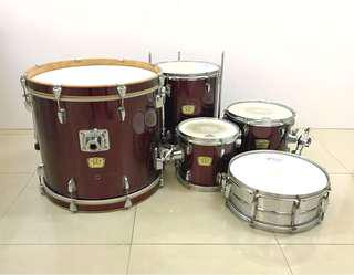 Yamaha YD Series 5-piece Drum Set with Cymbals