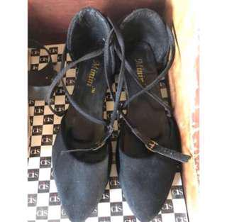 👡: (PREOWNED) Black Cross Shoe For Her
