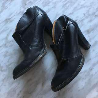 Hugo Boss Booties