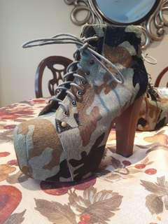 Jeffrey Campbell size 6 camo heels