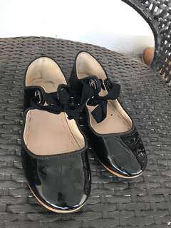Zara Girl Shoes (size 33)