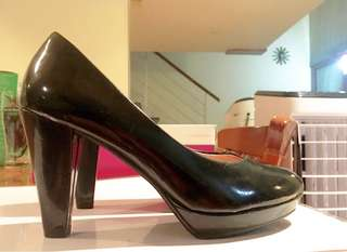 H&M Black sexy pumps for work or party