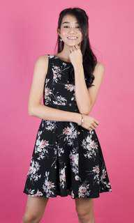 BNWT 3inute Arianna Floral Dress in Black