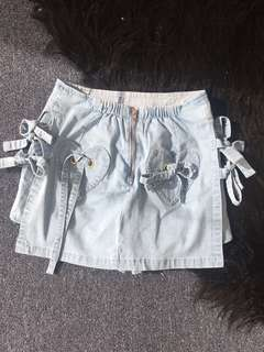 Light denim heart pocket mini skirt