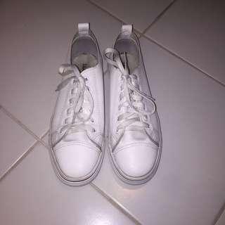 Original Wade White Sneakers Size 8.5-9.
