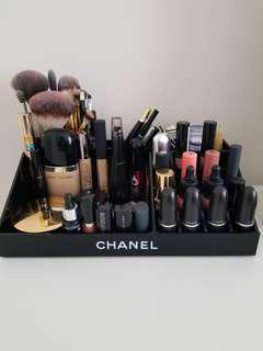 Chanel makeup organiser