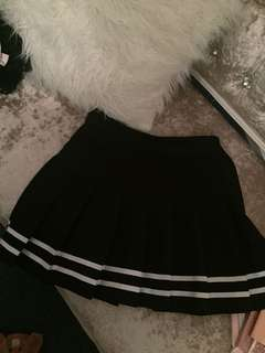 H&M pleated black and white tennis skirt