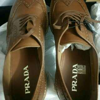 Authentic NIB prefaced leather shoes