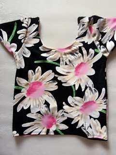 Semi scoopback floral top