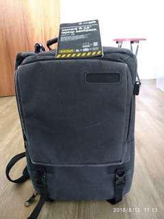 Pacsafe camsafe z16 laptop and camera backpack