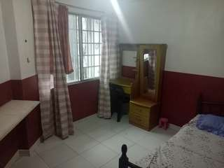 Room for Rent in Kapitolyo Pineda Pasig