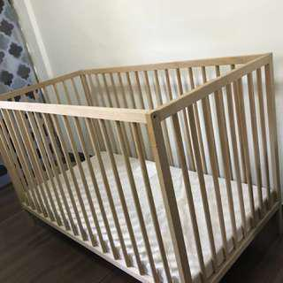Foldable IKEA baby cot with mattress