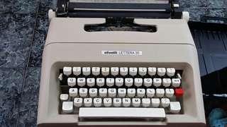 手動打字機連色帶一盒