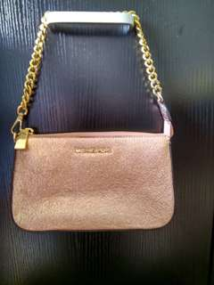 🎀 Clearance Sales : MK Chain Metallic Soft Pink Leather Clutch Bag