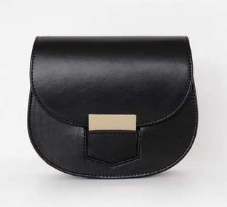 仿皮黑色小手袋 韓國製