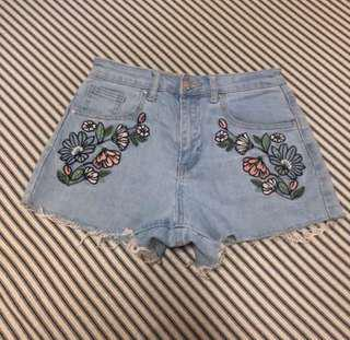 FOREVER21 EMBROIDERY SHORTS