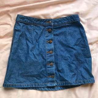 Dotti denim skirt with button details size 10
