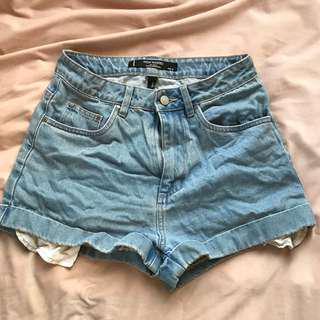Size 10 lightwash denim shorts