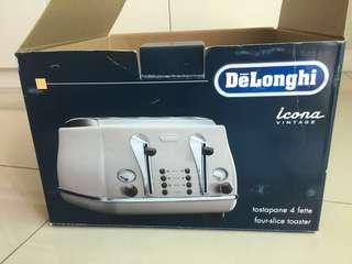 Brand new unwrapped DeLonghi Icona Vintage 4slice toaster