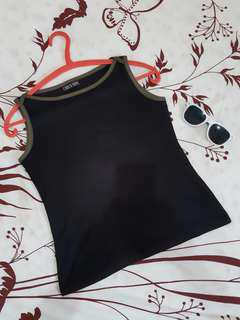 Black top size S