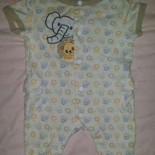 Lullaby Club Frogsuit for newborn to 3 months