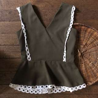 Plains and Prints peplum top olive green,used twice