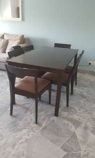 Wooden 6 seater dining table set