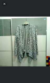 (turun harga) Bershka knit leopard cardigan
