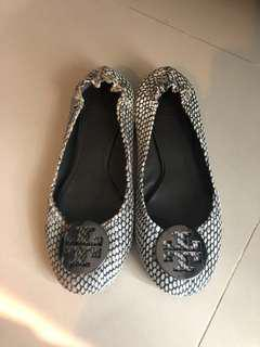 Authentic tory burch flat size 9.5