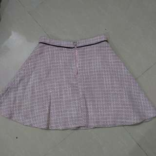 Olly knits skirt