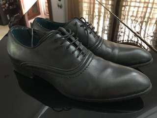HARGA NETT, NO COD,sepatu pedro lace up hitam sz 41 super mulus original