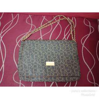 Sale and repriced authentic calvin klein bag From 2800 to 1200