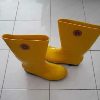 Safety Rubber Boot with steel toe cap and mild sole