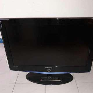 Samsung 32 Inches LCD TV