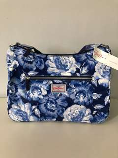 🔹Clearance🔹Cath Kidston Peony Curved Shoulder Bag
