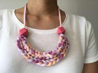 🚚 Handmade braided necklace, t-shirt yarn necklace, fabric necklace