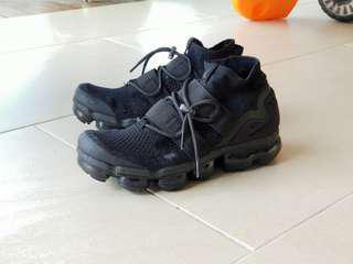 (Price drop!) Nike Vapormax Triple Black Utility US9