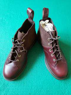 Dr Martens 男庒真皮皮鞋
